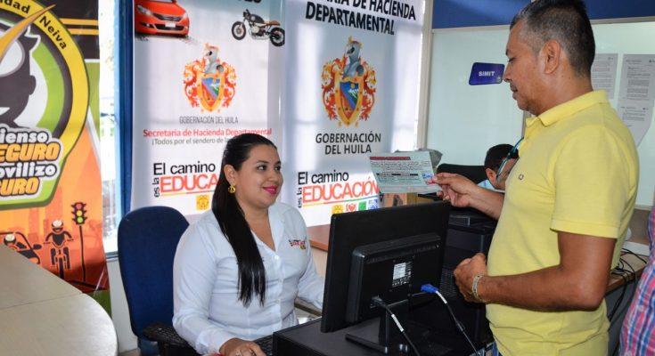 Resultado de imagen para FOTO DE Carlos Eduardo Trujillo González El secretario de Hacienda del Departamento DEL HUILA COLOMBIA